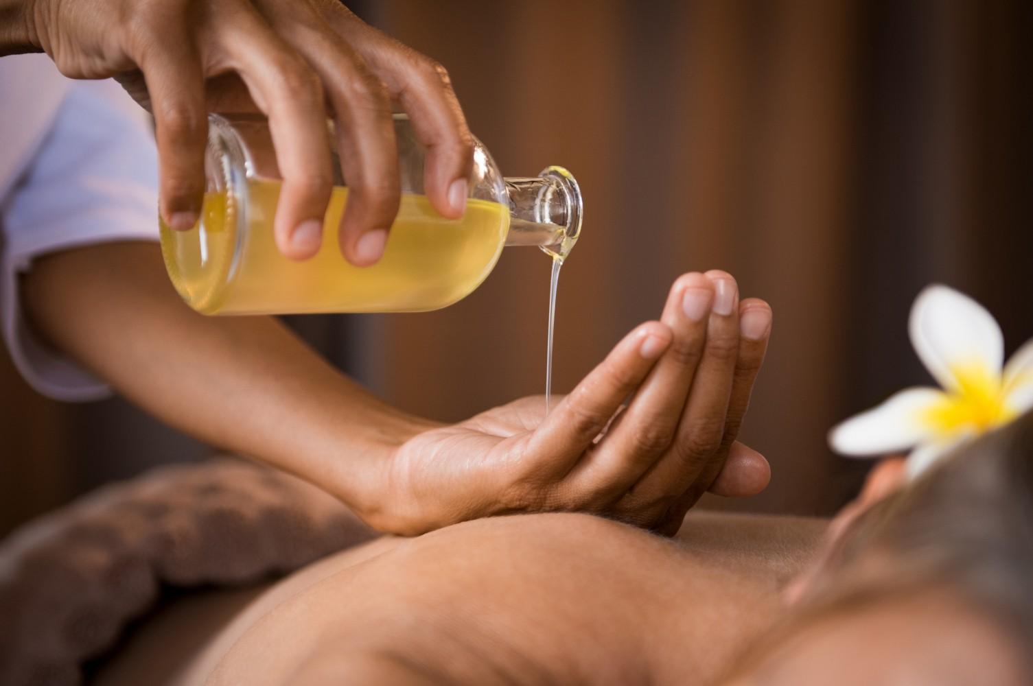 massage-giam-dau-bung-kinh